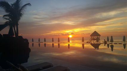 travel sunrise