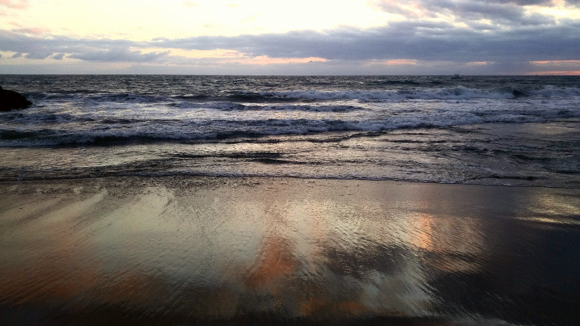 #late #sunset #color #reflecting in the wet sand. #october 18th. #newportbeach