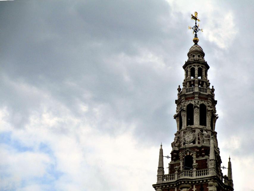 #wppnegativespace #HighContrast  #original #photography  #natural #colors #blue  #sky #architecture #Belgium #Leuven #KU #Library #clock  #PicsArt  #adjust  #hdr  #my  #Loveit