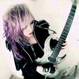 mejibray mia guitarrist