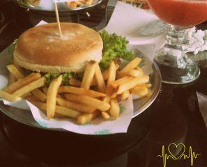 hamburger frenchfries food
