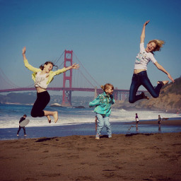 sanfrancisco goldengatebridge sisters happychild beach
