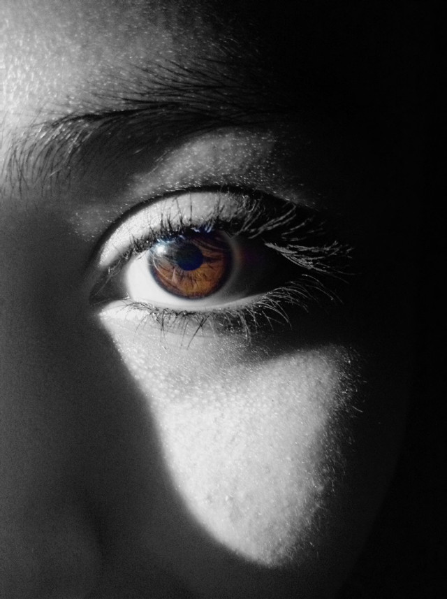 Behind the most beautiful eyes, lay secrets deeper and darker than the mysterious sea. #interesting #eyes