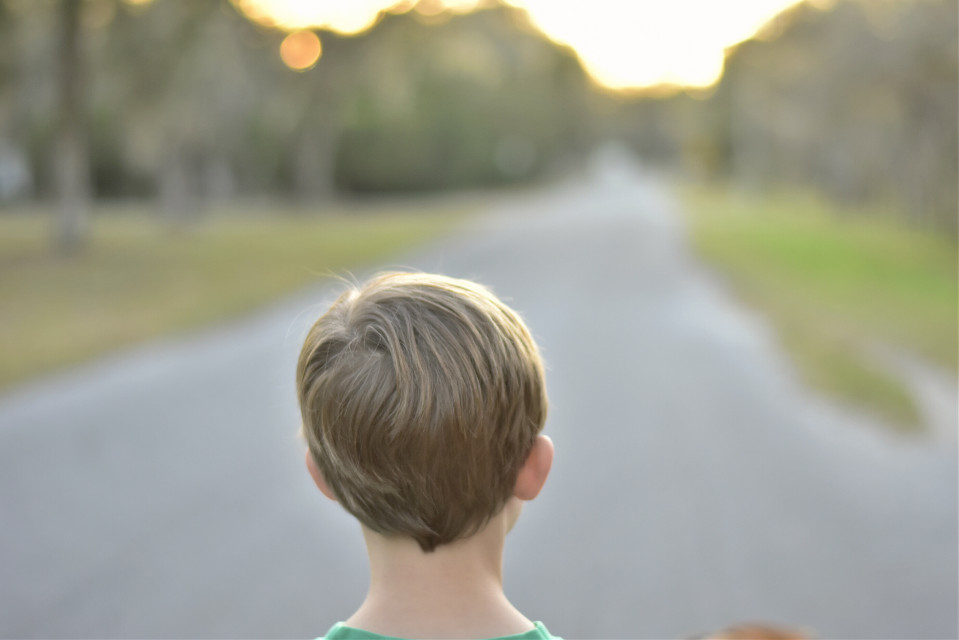 The sun begins its setting     #child #childhood  #warmth  #walk #bokeh #dof  #sunset  #emotions