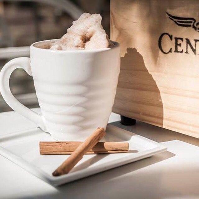 Hoy 24 de marzo es el día del heladero en España. Igualmente en #CentralDeCafé lo celebramos ¡Felicidades a todos los heladeros y a nuestros clientes como OCCO helados que forman parte de la familia #CentralDeCafé!