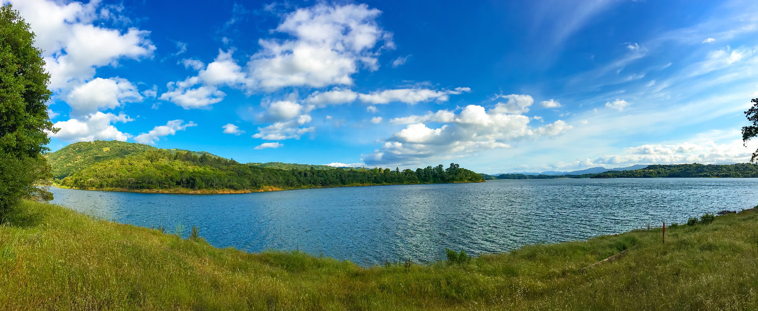 It's so good to see our lakes full after a bad drought in California #nature #lake #water #sky #colorful