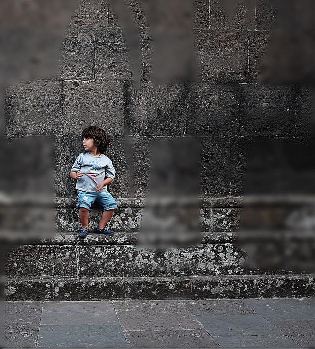 @areguk #interesting #littleboy #blur     #FreeToEdit