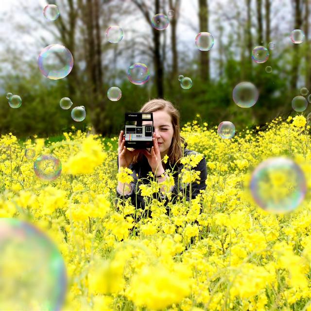 🌾🌼 #yellow #nature #bubbles #polaroid